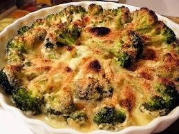 cuisiner le brocolis recette de gratin de brocolis jambon et sauce béchamel la