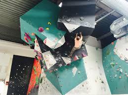 salle de bloc vertical quentin en yvelines salle d escalade de bloc