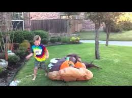 Halloween Blow Up Decorations For The Yard by Halloween Blow Up Decor Youtube