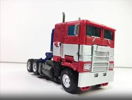 100 Optimus Prime Truck Model Transformers Bumblebee Movie Studio Series 38 First