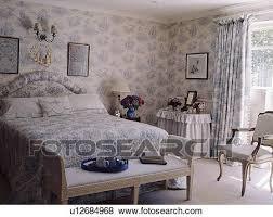 chambre toile de jouy images blue white toile de jouy papier peint et rideaux et