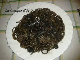pates encre de seiche spaghettis à l encre de seiche et chignons recettes de enzo