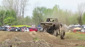 100 Mudfest Trucks Gone Wild Mud Bogging Gifs Search Search Share On Homdor