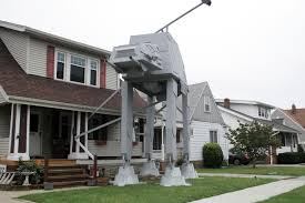 Halloween Wars Judges Names by Man Builds 2 Story U0027star Wars U0027 Vehicle Replica For Halloween