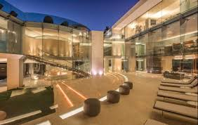 100 Mansions For Sale Malibu An Iron Man Razor House Lookalike Is On For 30 Million See