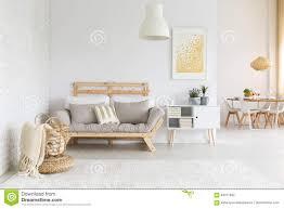 weißes und beige wohnzimmer stockfoto bild zustand
