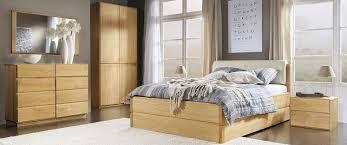 chambre a coucher en bois meuble chambre en bois massif lits et commodes house and garden