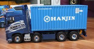 Tekno 20ft Container Hanjin Auf VOLVO FH16 750 | Modellbau Trucks 1 ...