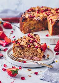 erdbeer rhabarber kuchen mit mandeln
