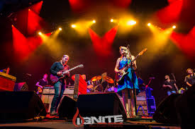 100 Truck Band Live Review Tedeschi Bring The Home Town Crowd To Their