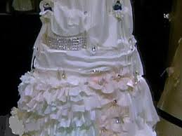 World s Most Expensive Bridal Cake In Beverly Hills Cake Is Worth $20 Million