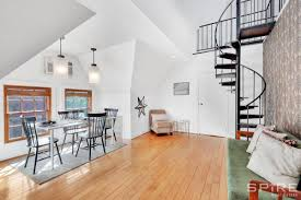 100 Duplex Nyc For 329000 A Forest Hills Duplex With A Quirky Floorplan