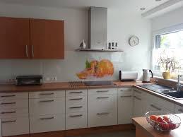 neue küchenfronten in hochglanz weiß und erle küchenfront 24