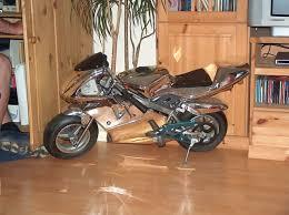 motorrad im wohnzimmer wer hat der hat und es fährt tatsäc