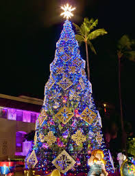 Flagpole Christmas Tree by Mele Kalikimaka From Hawaii Magazine U0027s Staff Ohana Hawaii Magazine
