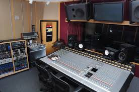 The Mixing Engineer Is Responsible For Combining All Of Different Sonic Elements A Recorded Piece Music Into Final Version And Balancing