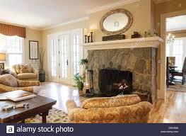 luxus showcase wohn wohn esszimmer mit kamin usa