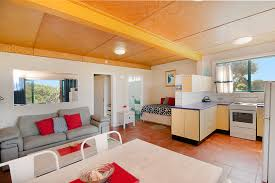 100 Absolute Beach Front WHITE WAVES 4 ABSOLUTE BEACH FRONT STUDIO HASTINGS POINT Holiday