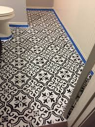 how to make an vinyl floor look like tile using chalkpaint and