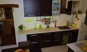 chambre avec meuble blanc couleur murs cuisine avec meubles blancs affordable couleur mur
