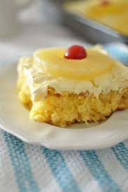 Hold to Summer With This Pineapple Lush Cake Recipe