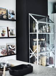 esposizione libri cucina ripiani in vetro idee ikea idee