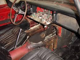 refaire un interieur de voiture restauration d une voiture ancienne jaguar type e série 1