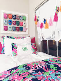 You Can Spend Endless Hours Shopping For Dorm Decor So We Picked The Cutest Preppy Rooms To Copy With Stripes Florals And Ofcourse Lily Patterns