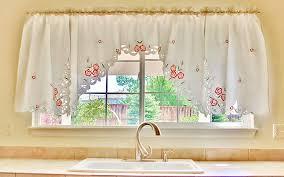 rideau de cuisine en choisissez vos rideaux cuisine judicieusement rideau cuisine