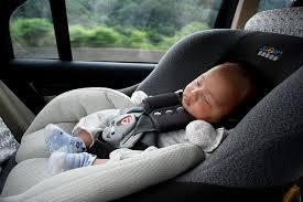 location siège auto bébé location de voiture pensez au siège auto a la une