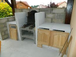 construire cuisine fabriquer un plan de travail cuisine barbecue en dur with