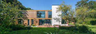 100 English Architects Strm Architects Builds Timberframed Woodpeckers House