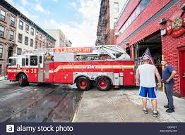100 Fdny Fire Trucks FDNY Fire Truck Backs Into Garage In New York City Harlem District