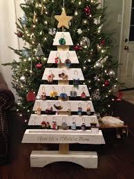 Christmas Countdown Pallet Tree