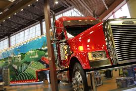 100 Iowa 80 Truck Stop America The Beautiful Freightliner Classic XL