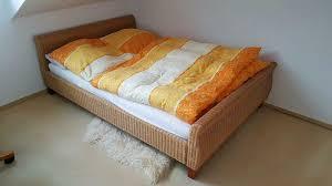 schlafzimmer ikea pax lack hochglanz kleiderschrank bett rattan