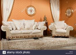 leere innenraum wohnzimmer hintergrund in warmen farben