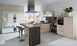 moderne dachschrä küche in hochglanz weiß