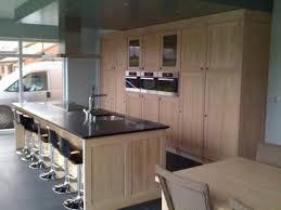 meuble cuisine en chene meuble de cuisine en chêne et granit sur mesure meuble
