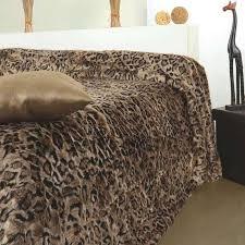 couvre lit fausse fourrure lynx linder lit 2 personnes web