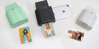 Prynt Pocket lets you print photos from your iPhone like a