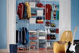 7 factors to choose laminate closet organizer or wire shelving