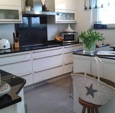 weiße minimalistische küchen tolle fotos und inspirationen