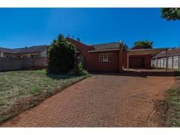 3 Bedroom Houses For Sale by 204 Properties And Homes For Sale In Roodepoort Gauteng Chas