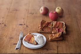 Quick Apple Tart With Vanilla Ice Cream
