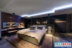 optez pour un plafond moderne avec un éclairage à rubans led