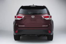 2014 Toyota Highlander Captains Chairs by 2014 Toyota Highlander New Car Review Autotrader