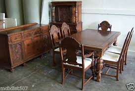 BEAUTIFUL VINTAGE 1930s JACOBEAN STYLE DINING ROOM SET Hutch Is Similar To Gmas Antique Dining