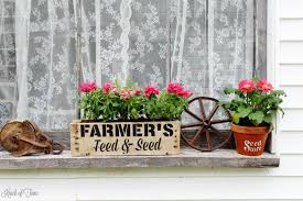 Create Your On Rustic Farmhouse Window Box To Fill With Beautiful Blooms