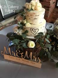 WHITE HUNTER GREEN GOLD AND ROSE WEDDING CAKES